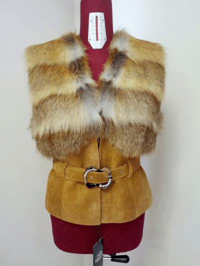 Меховой жилет Герда - мех лиса рыжая, цвет светло рыжий, куски,  длина 55см