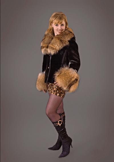 Виола куртка мутон 75см, лиса, арт № 500-301 меховое изделие из мутона